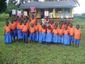 Elever i Mikaoni Nursery School Kenya