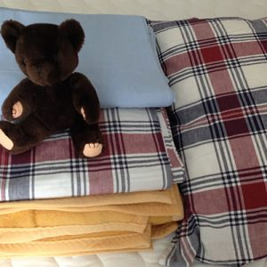 Sängkläder till New Hopes elevhem i Nairobi