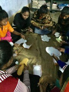Skolflickor i Indien