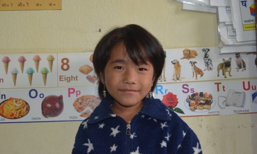 Flicka i Nepal