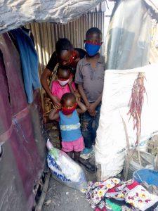 Familj i slummen i Nairobi
